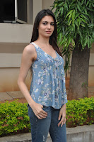 Simran Kaur in a loose Tank Top and Denim Jeans Photos