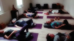 Yoga Restaurativo/Restorative Yoga