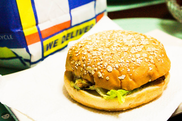 Out of the paper bag - Grilled Chicken Burger of Brothers Burger