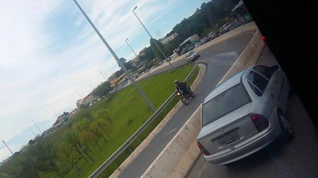 Acidente entre carro e carreta deixa dois feridos próximo à santa Luzia
