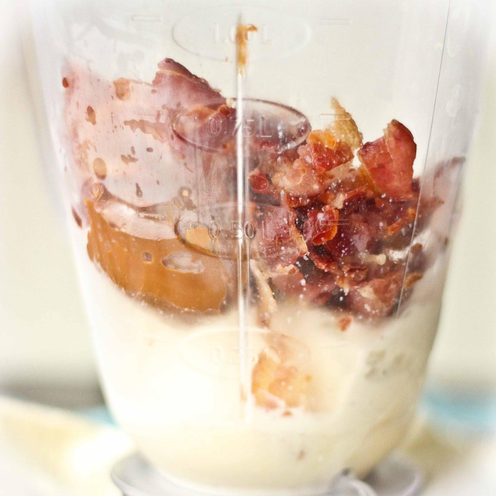 http://2.bp.blogspot.com/-JNNu1RDwijg/Ty_DZzT7XCI/AAAAAAAAHos/wt18Uxn9W9E/s1600/Bacon+Milkshake.jpg
