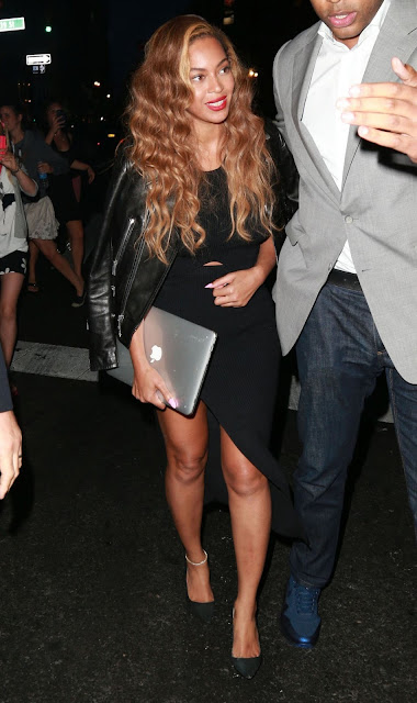 Actress, Singer @ Beyoncé Showing Her Sexy Legs in New York