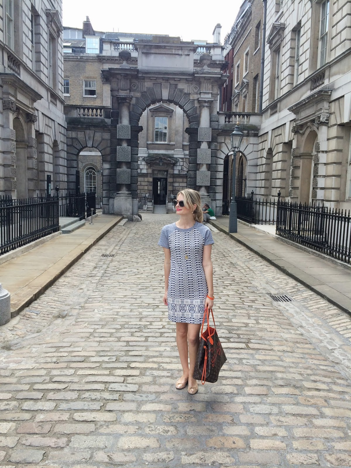 somerrset house, ootd, wiwt, louise vuitton, lv bag, lv neverful bag, hobb's dress, hobb's dress sale, french sole, french sole ballet flats