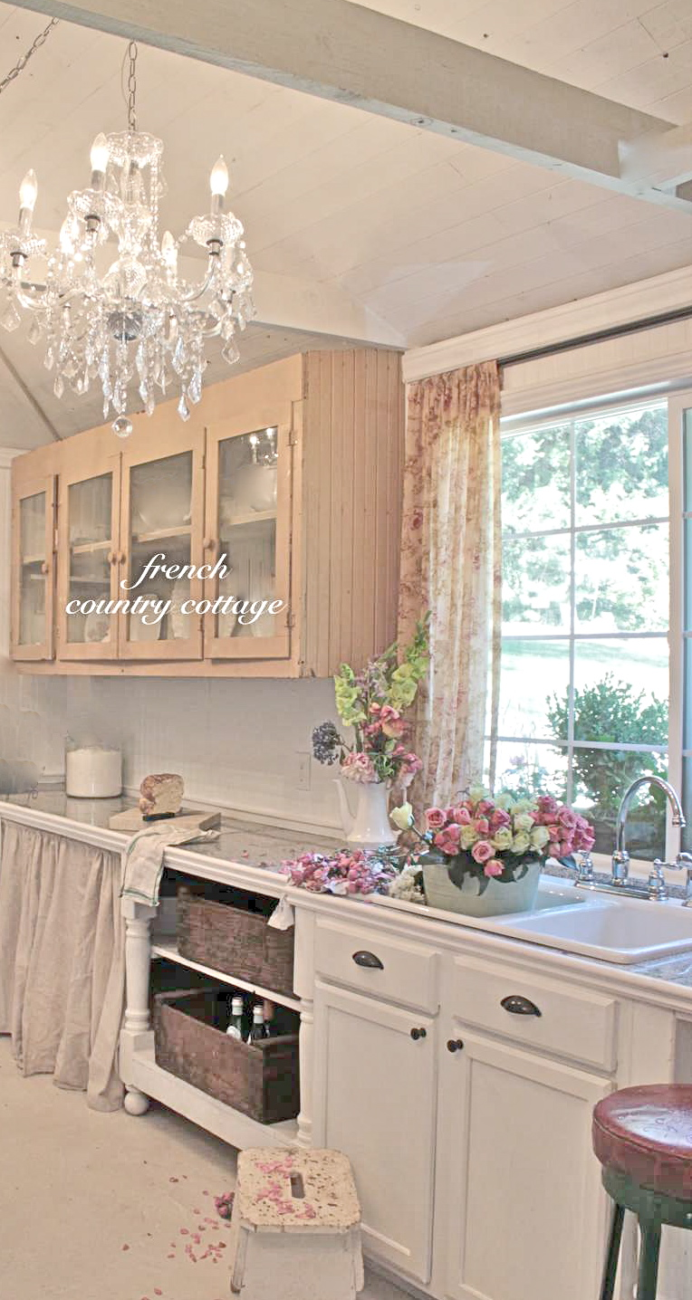 Feathered nest friday french country cottage for Country cottage kitchen design
