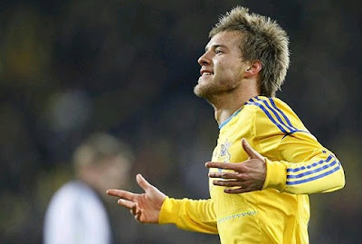 Andriy Yarmolenko playing for Ukraine national team