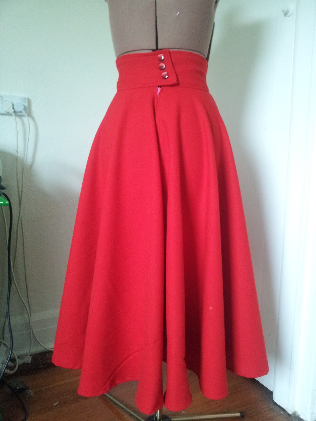 Long Circle Skirt Description Our Long Circle Skirt flows to give its wearer a graceful and stunningly beautiful look that no one will be able to ignore. Longer than our regular cicle skirt, the Long Circle Skirt comes just below the knees giving an added sense of modesty to its .