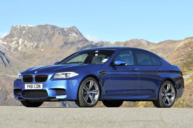 2012 BMW M5 Sedan Wallpaper