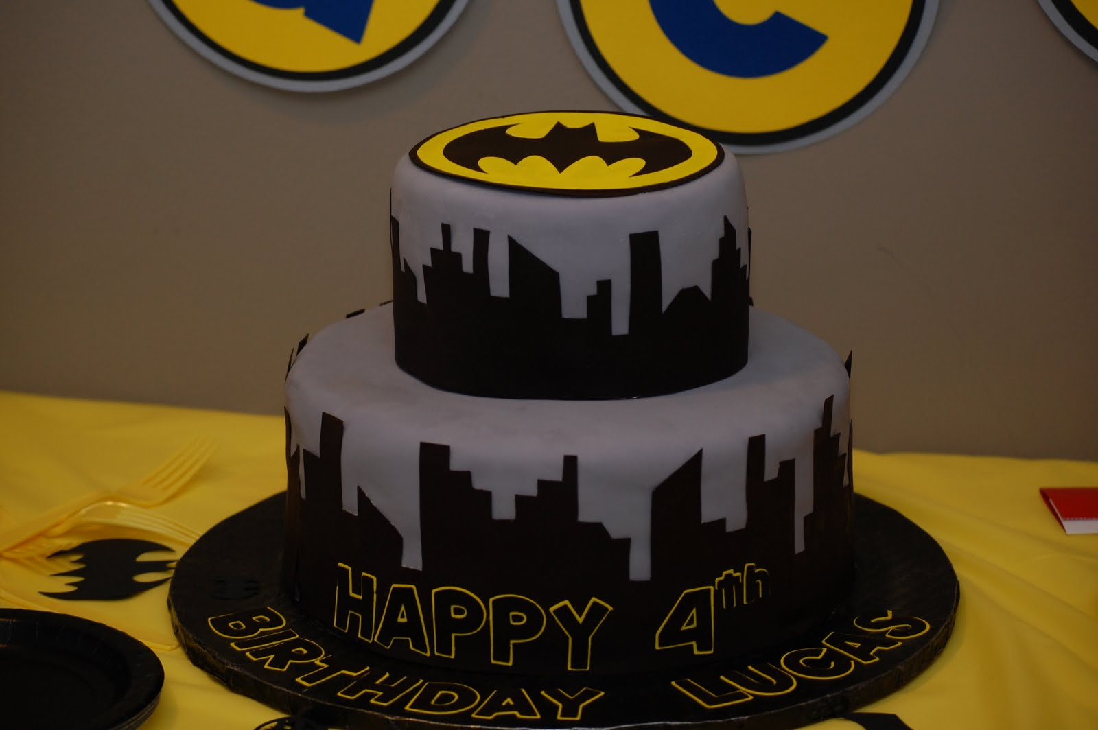 CakeFilley: Batman Cake