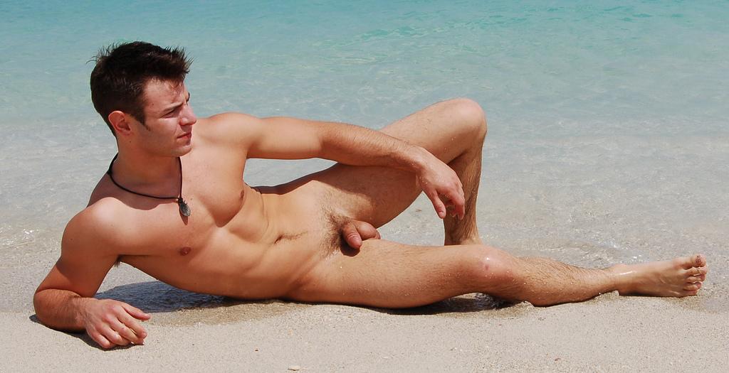 Nudist male picrues