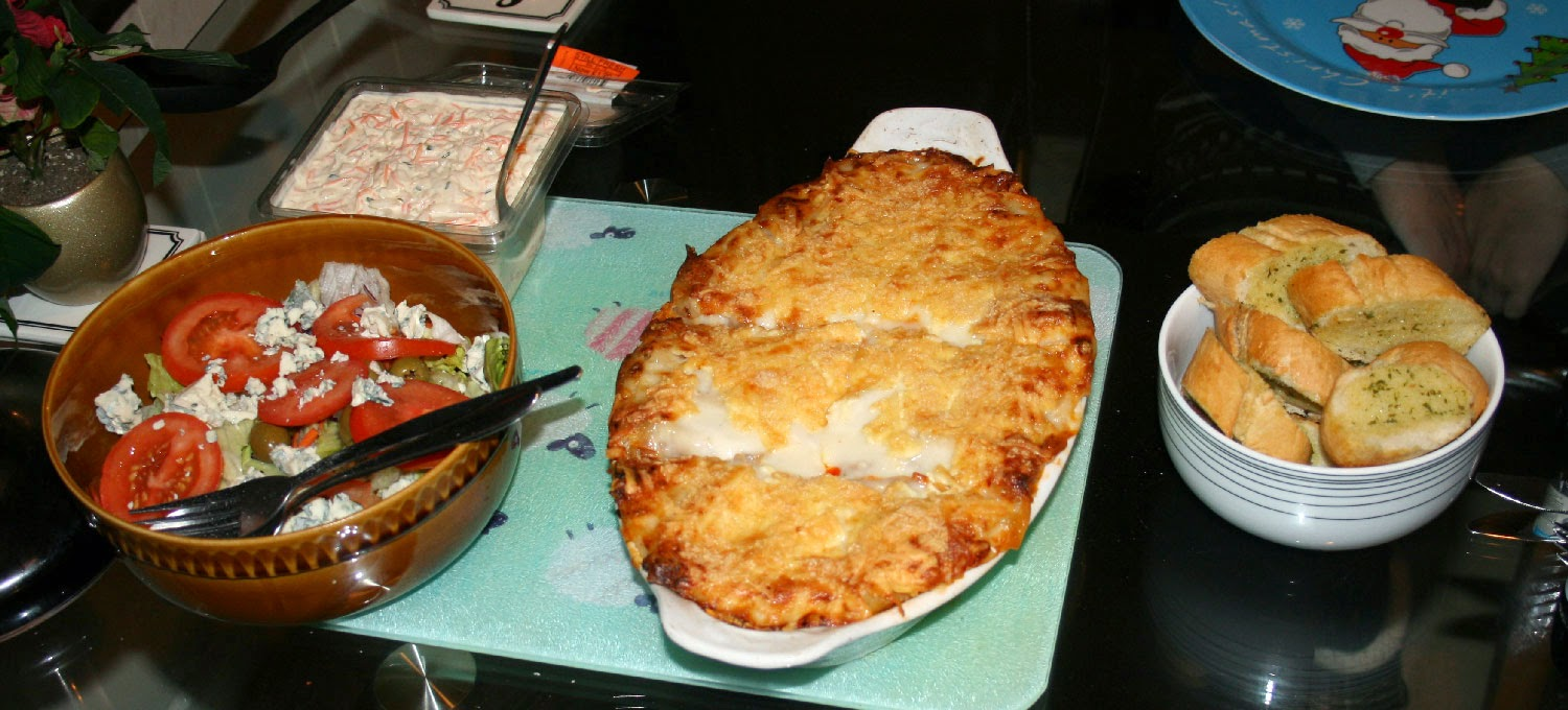 Amazing lasagne with salad, coleslaw and garlic bread