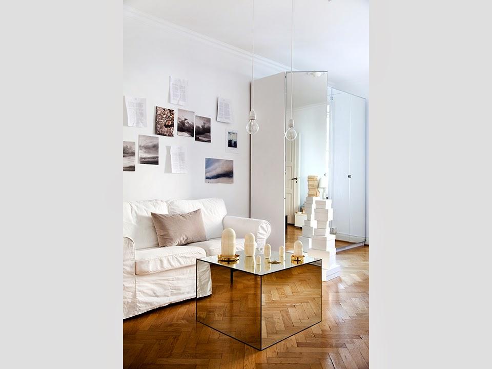 D couvrir l 39 endroit du d cor petit espace blanc et miroir for Petit miroir blanc