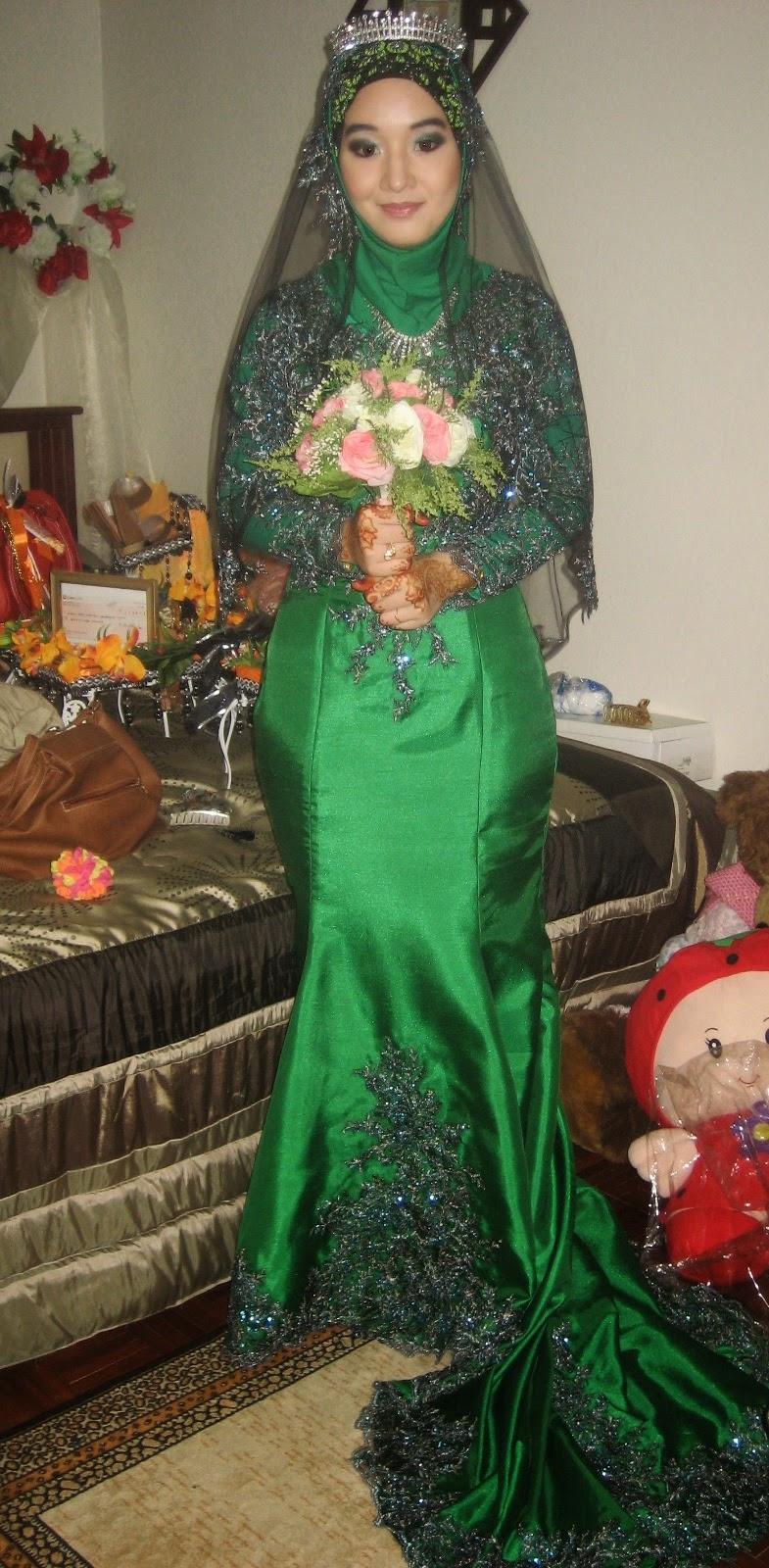 16 contoh model baju pengantin muslim warna hijau