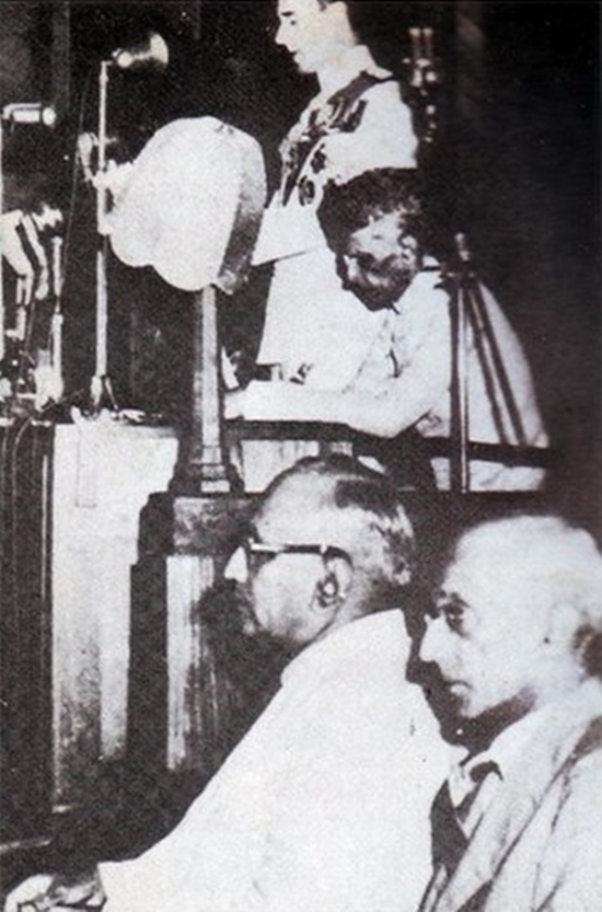 Mountbatten addresses the constituent assembly of Pakistan