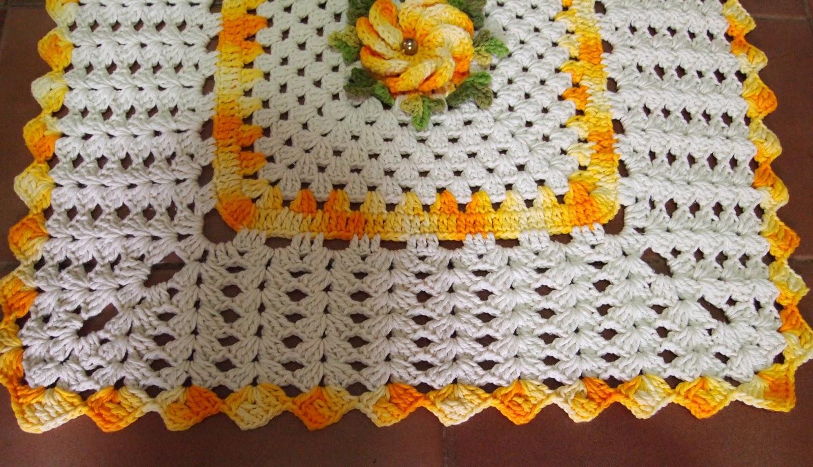 os croches da elsa tapete retangular   flor crista de galo