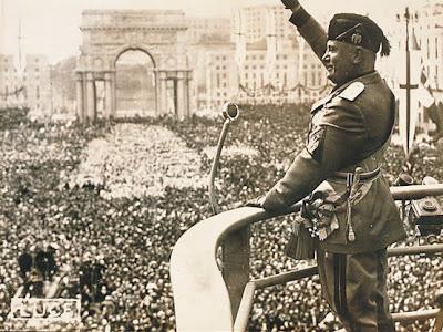 Mussolini şi evreicele