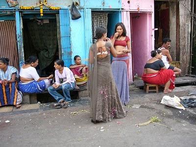 Tradisi Aneh Persembahkan Anak Gadis Ke Prostitusi [ www.BlogApaAja.com ]