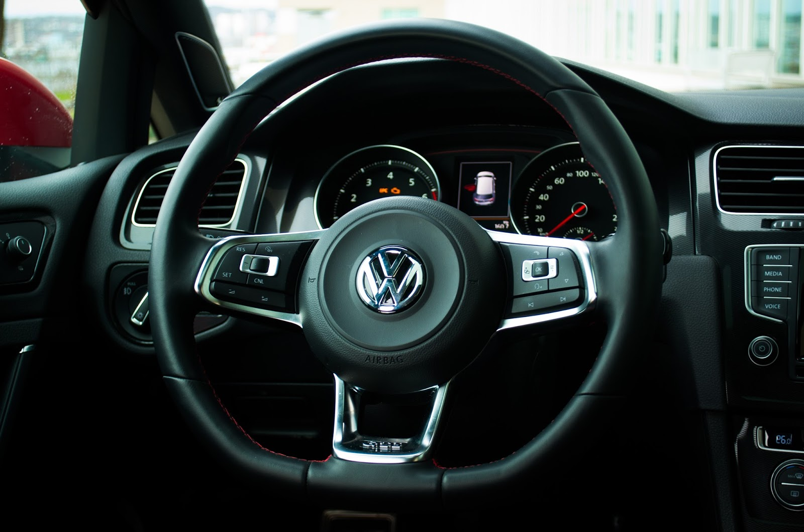 2015 Volkswagen Golf GTI steering wheel