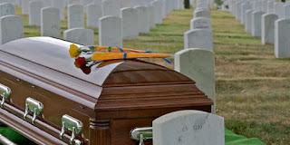Heboh, 4 Orang Ini Menghadiri Pemakaman Dirinya Sendiri