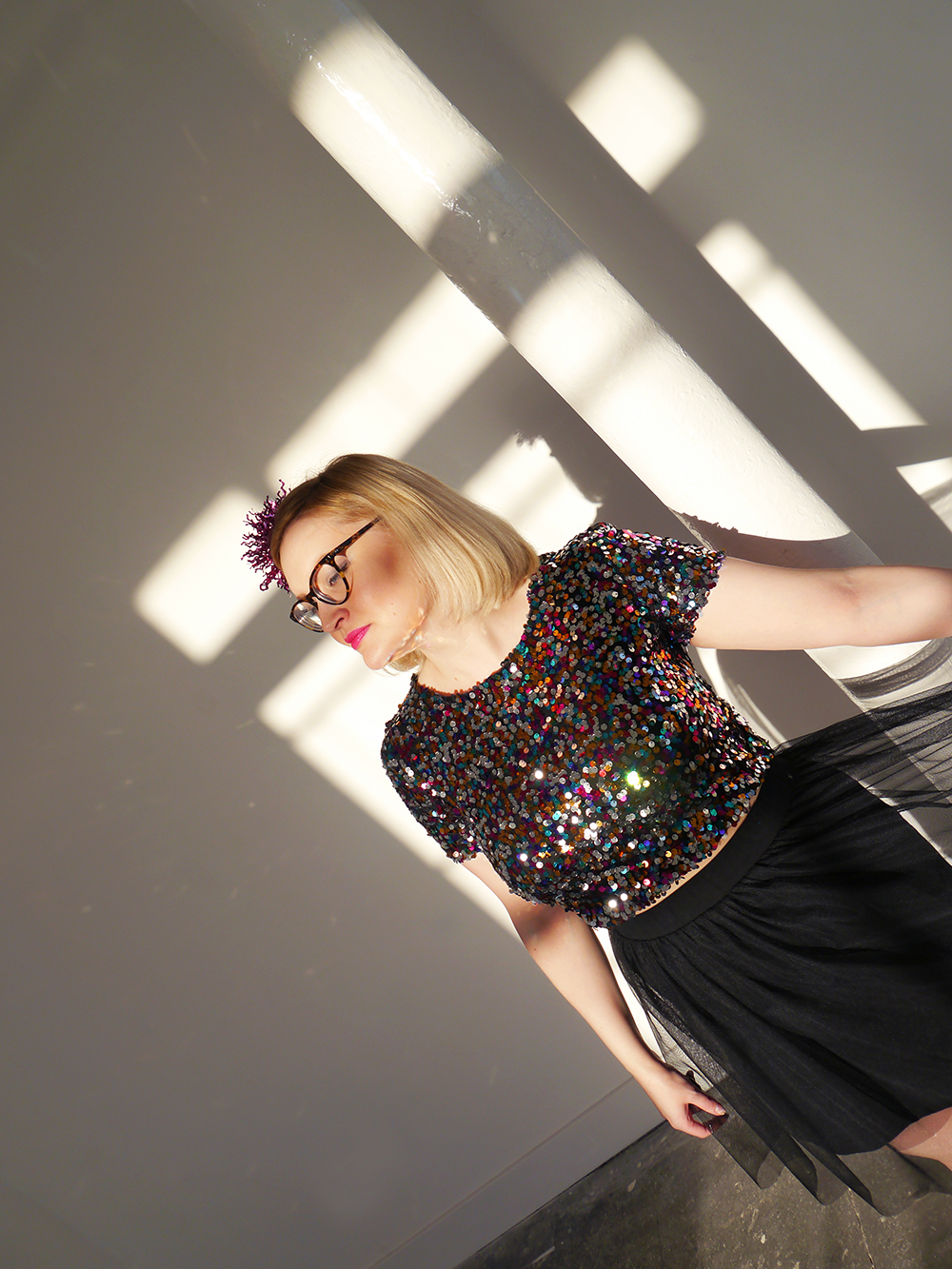 sequins, sparkly New Year outfit, how to wear sequins, glitter ball outfit, Christmas party, ballerina skirt, IOLLA Muir glasses, tinsel hair clip