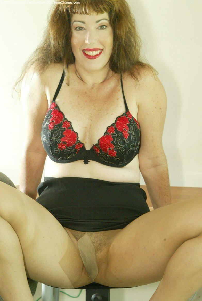 Ichigo black fetish model