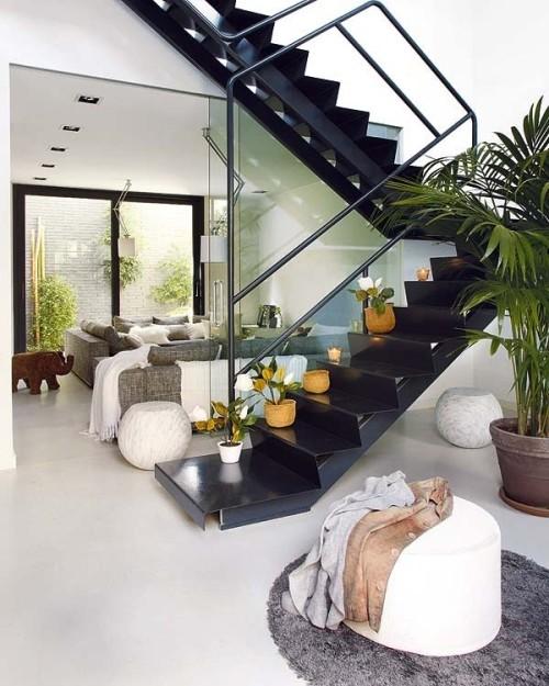 Suvire m s ideas de como decorar las escaleras for Decoracion debajo de escaleras con plantas