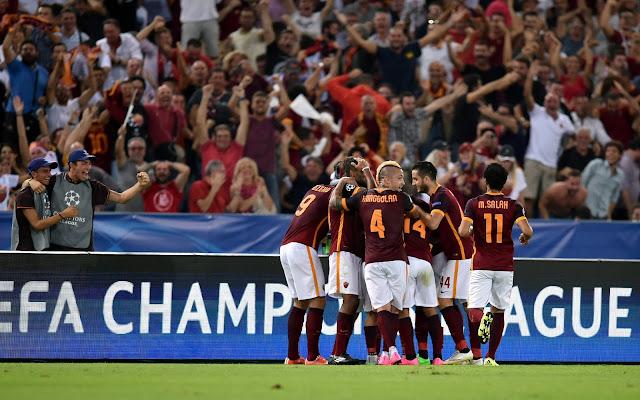 A Roma empatou a partida com um golaço do meio de campo (foto: ANDREAS SOLARO / AFP)
