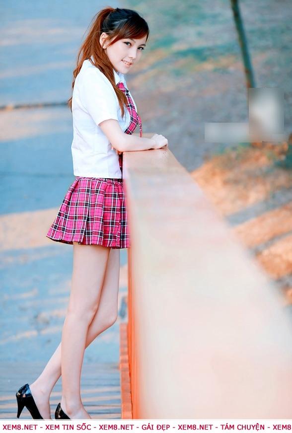 Ảnh nữ sinh cấp 3 mặc váy ngắn
