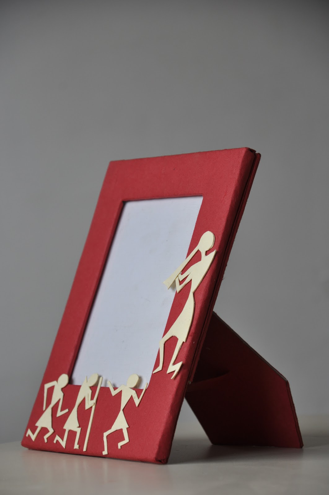 Past imaginations warli photo frames the research and idea generation i had to come up with an end product inspired by warli paintings this was my first attempt in making photo frames jeuxipadfo Gallery