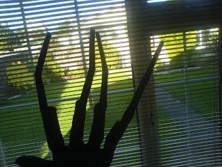 alien costume hands
