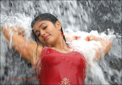 actress poonam bajwa hot still
