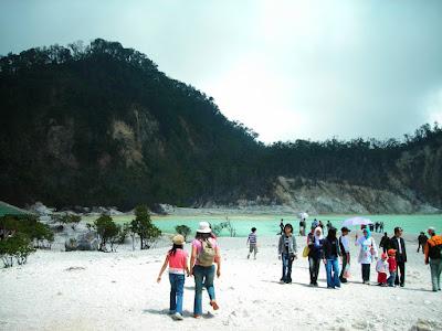 Paket Wisata Kawah Putih Bandung 2 Hari 1 Malam