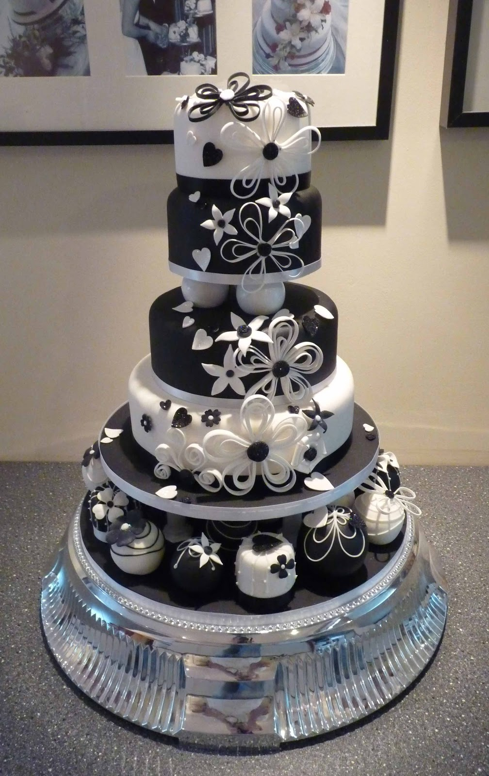 Wedding Cakes Pictures Black And White