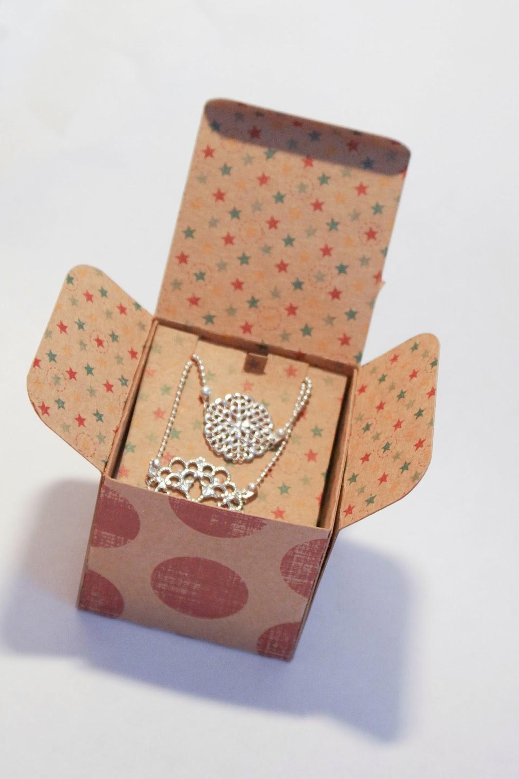 madame deux b cr boite bijoux avec la silhouette cameo. Black Bedroom Furniture Sets. Home Design Ideas