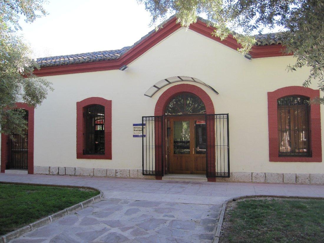Antiga estació de Gandia, actual biblioteca infantil