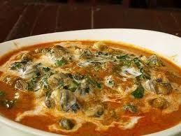 มาครัวริมน้ำทั้งที่เมนูเด็ดรสจัดจ้านแกงคั่วหอยขมใบยอที่ครัวริมน้ำบ้านไร่