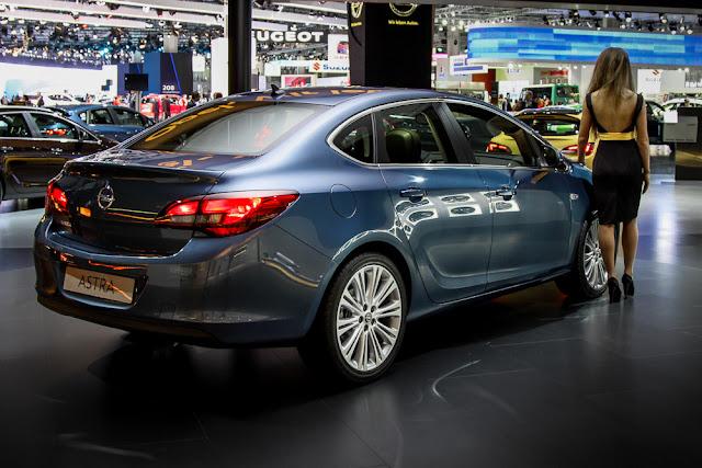 седан Opel Astra новый