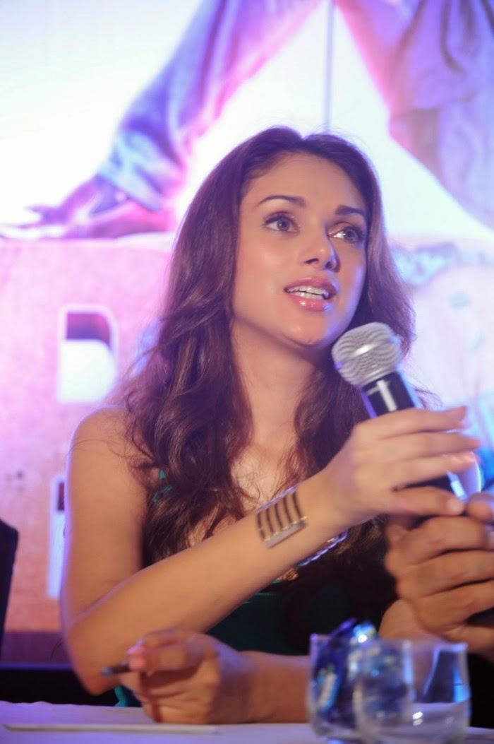 Cute Aditi rao hydari photos at boss movie press meet