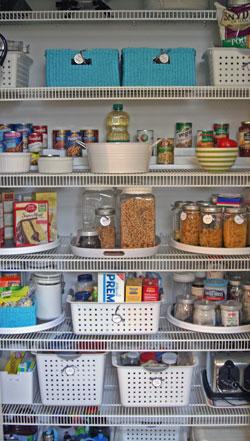 Organized pantry | OrganizingMadeFun.com