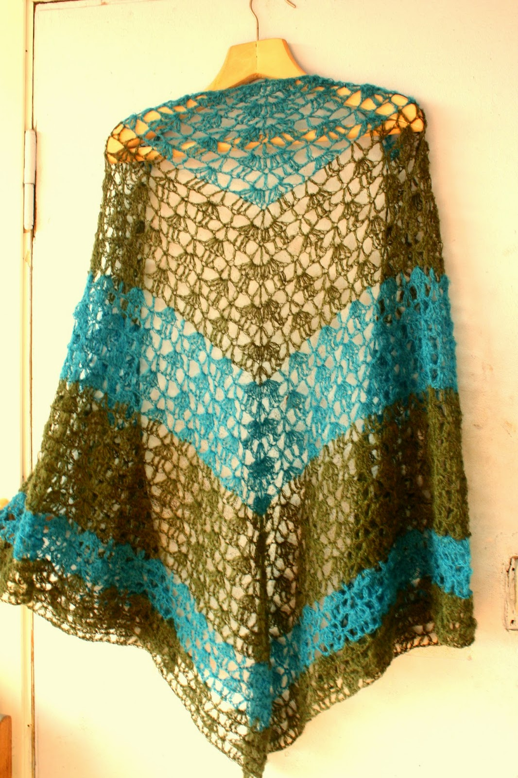 Crochet Triangle : crochet triangle scarf free pattern