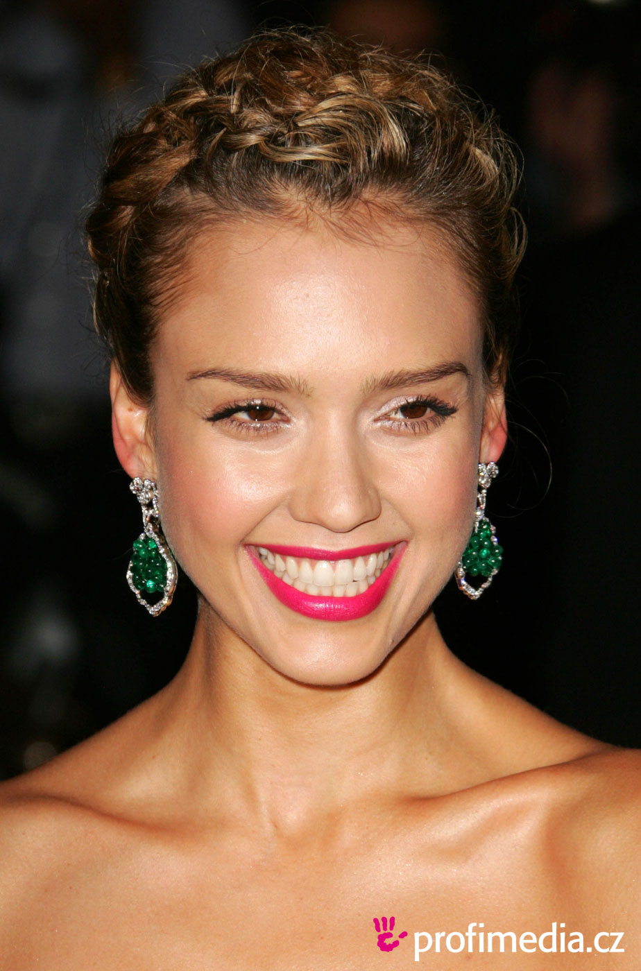 Jessica Alba Romance Hairstyles Pictures, Long Hairstyle 2013, Hairstyle 2013, New Long Hairstyle 2013, Celebrity Long Romance Hairstyles 2029