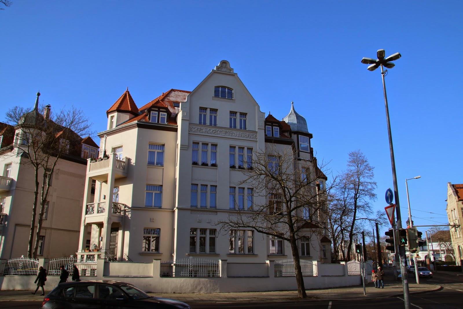"""Hier die """"Villa Elisabeth"""" an der Ecke Erich-Zeigner-Allee/Karl-Heine-Straße"""