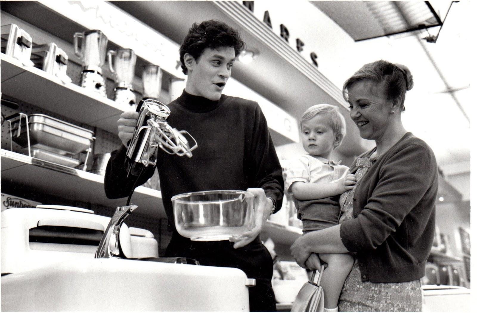 Elizabeth Hanks... Elizabeth Hanks That Thing You Do