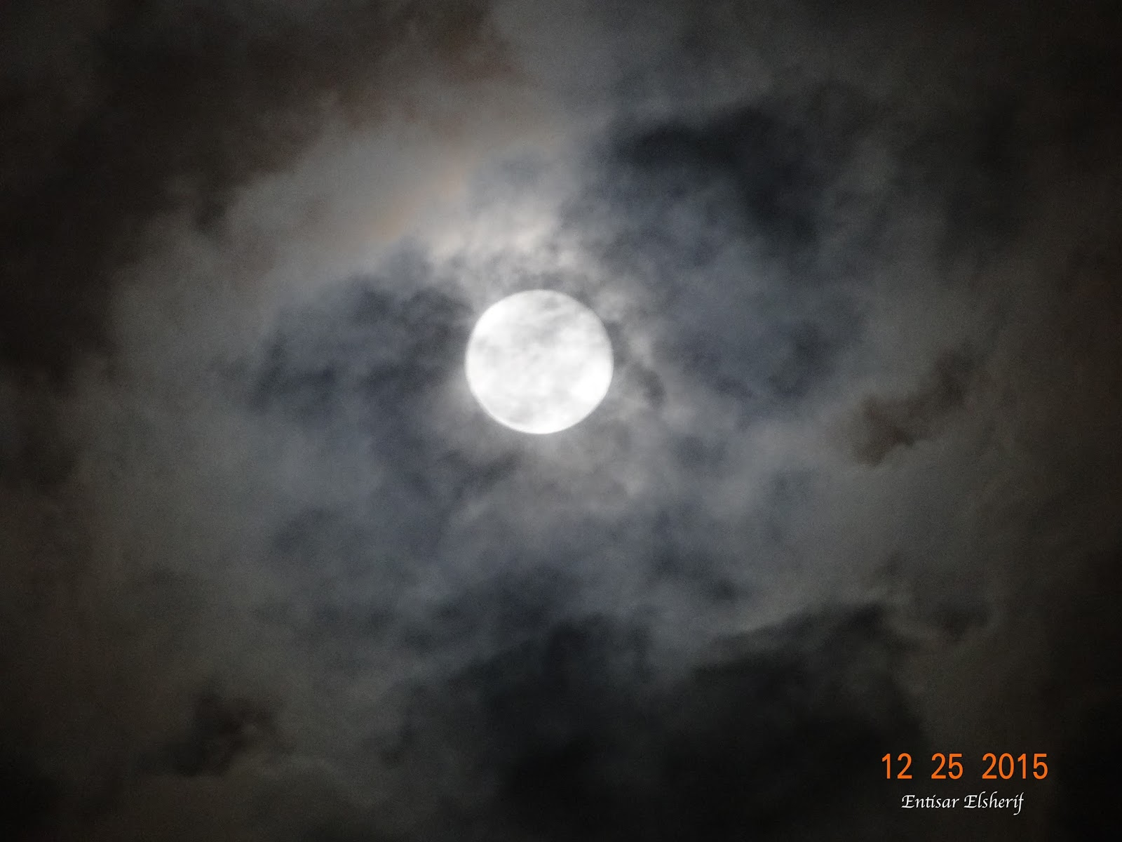 Moon Wasnt Even Full And It Wasnt >> Entisar Reflects Thoughts About Everything Rare Full Moon On