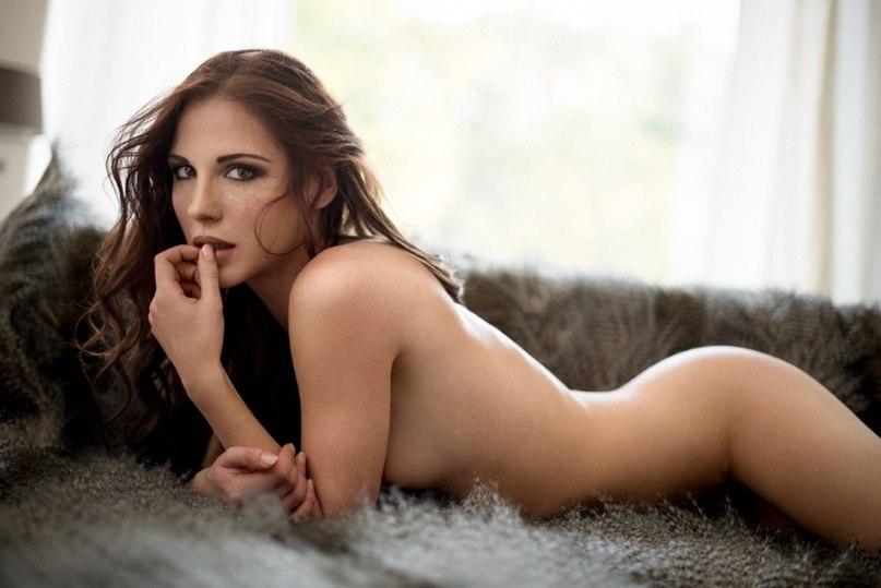Голое тело девушки со спины фото