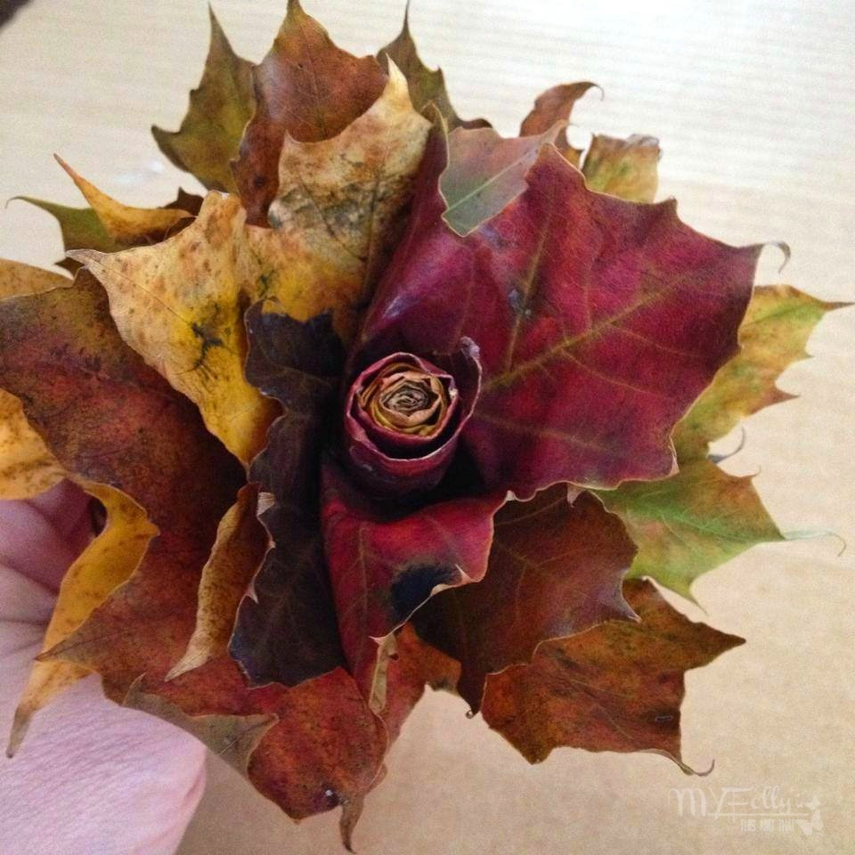 Fall Foliage Wreath/ This and That  Leaf Rose. #leaf #roses