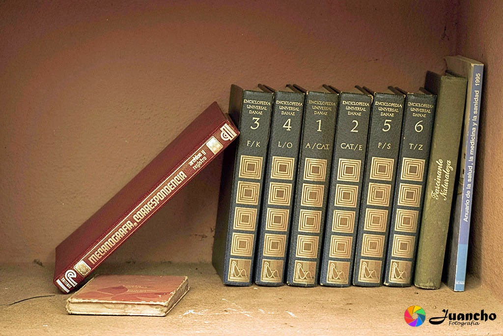 Libros en el rincón del lector
