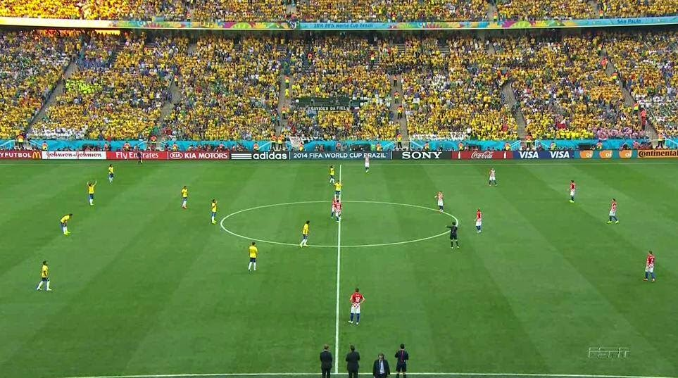 Laga Perdana Piala Dunia Diwarnai Kontroversi