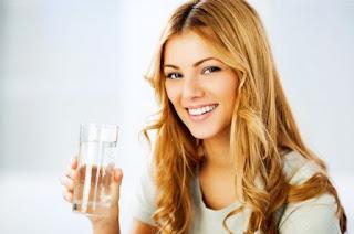 5 Manfaat Ajaib Air Putih Untuk Kesehataan
