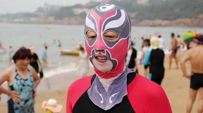 Facekini - Máscara dos horrores, marcara para proteger o rosto so sol