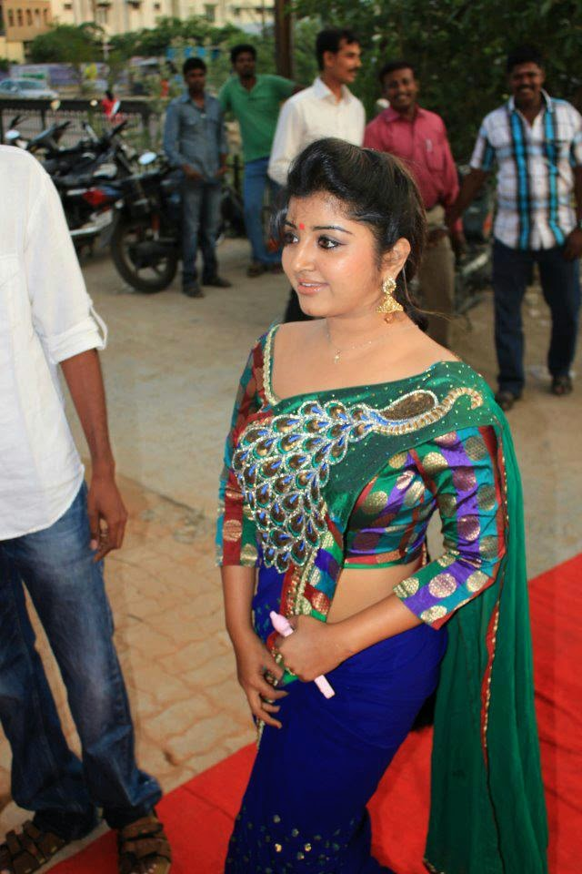 Serial Actress Mahalakshmi Hot Navel Show In Saree Pics - HD